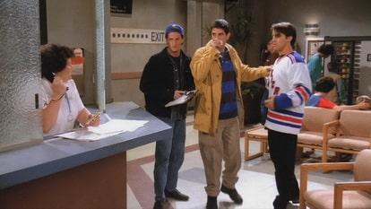 Чендлер, Росс и Джо в больнице