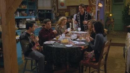 Друзья встречают День благодарения