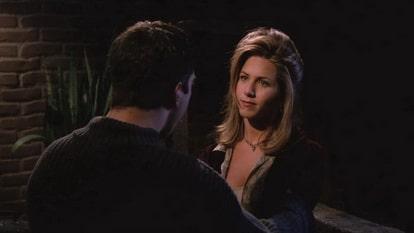 В двенадцатой серии Росс утешает Рейчел