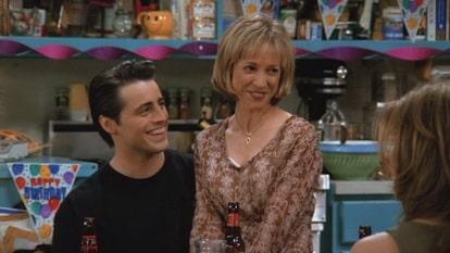 В 24 серии 1 сезона Джоуи знакомится с Мелани